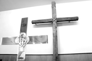 Cross at OUMC Bw